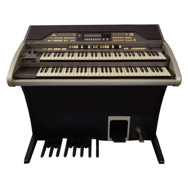 Used Hammond XE200 Organ