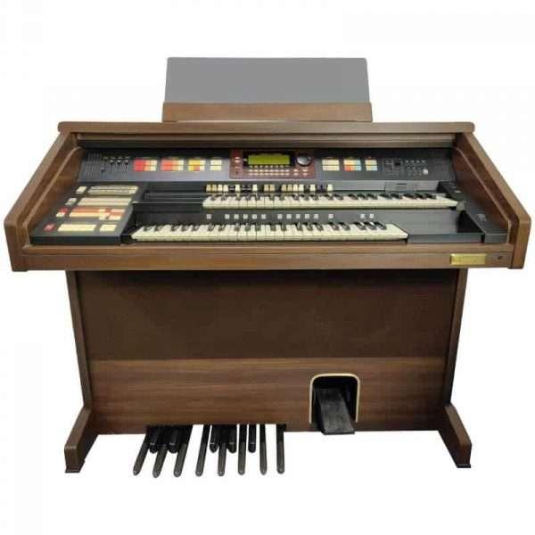 Used Hammond XT100 Organ